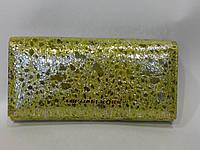 кошелек Michael Kors изготовлен из натуральной кожи
