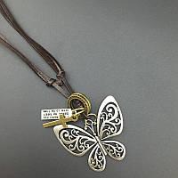 Кулон-подвеска бабочка на ремешке