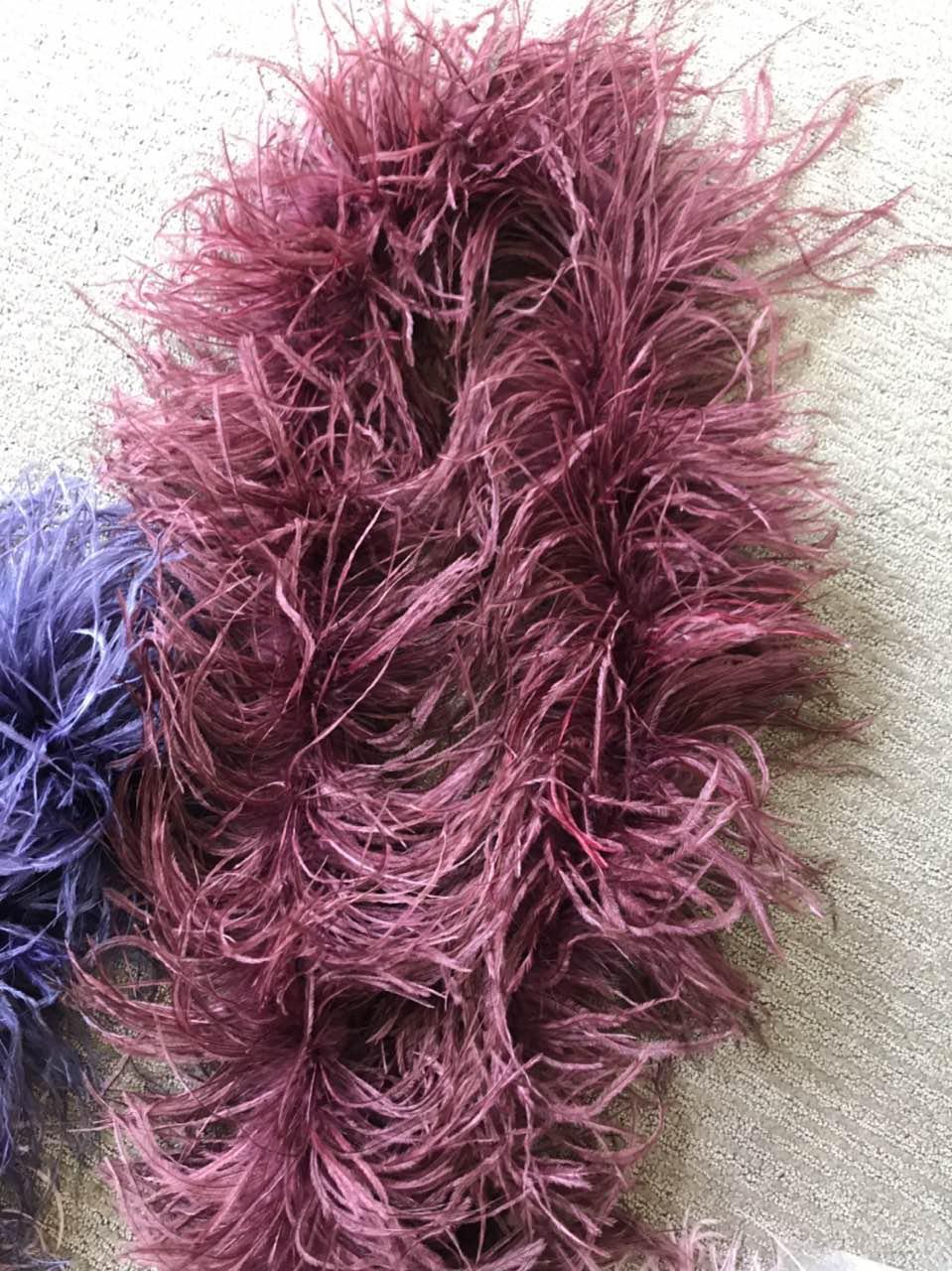 Боа страусиное трехслойное.Цвет бордо. Длинна 1,8м