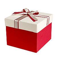 Подарочная коробка-сюрприз с косметикой и аксессуарами