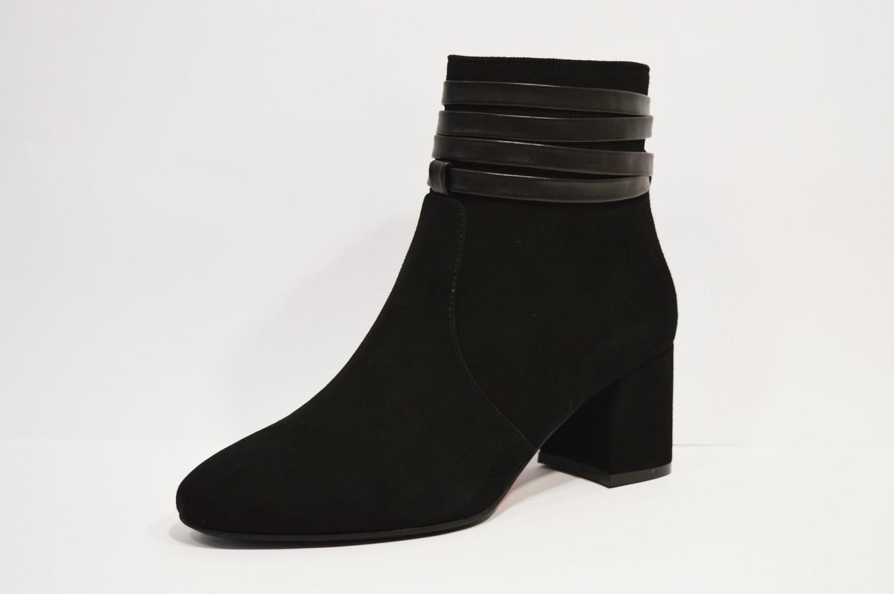 Черные замшевые ботинки Lirio 122