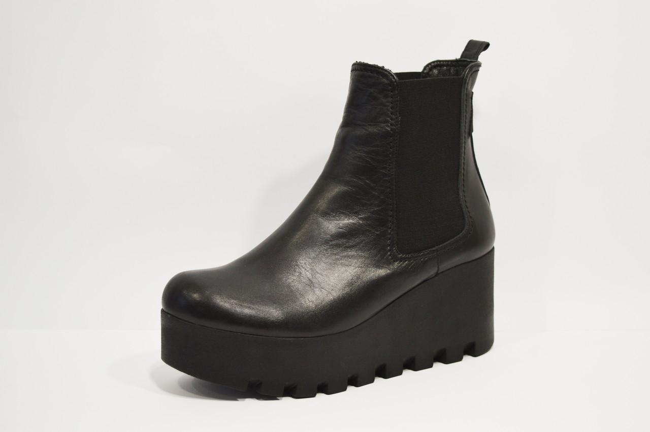 Ботинки кожаные на танкетке Guero 1120