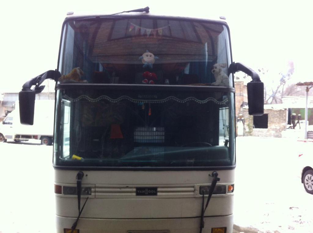 Замена лобового стекла на автобусе EOS Coach 200, 230, 233L, MD  в Киеве