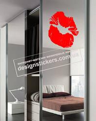 """Наклейка на вікно з губами на день святого Валентина """"Kiss"""""""