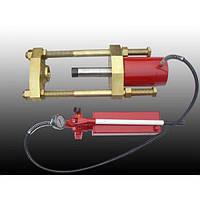 Стенд выпрессовки шкворней ПШ 70, с ручным насосом, расстояние между шпильками 180мм, усилие 70тонн