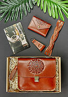 Подарунковий набір шкіряний жіночий коньяк (сумка, візитниця, браслет та брелок, листівка) ручна робота