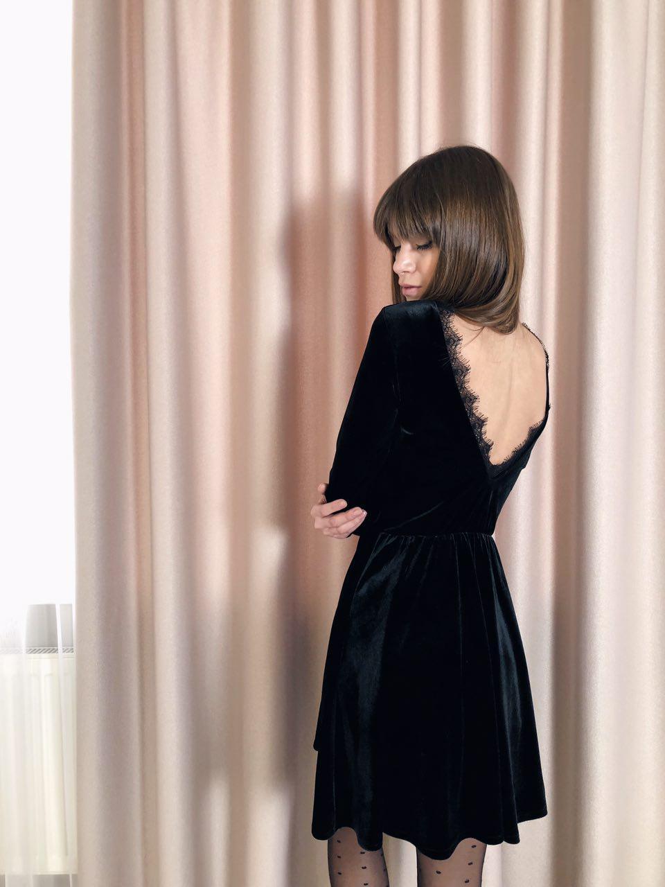cb9bd62729b Женское черное платье с бархата с открытой спиной и кружевом ...