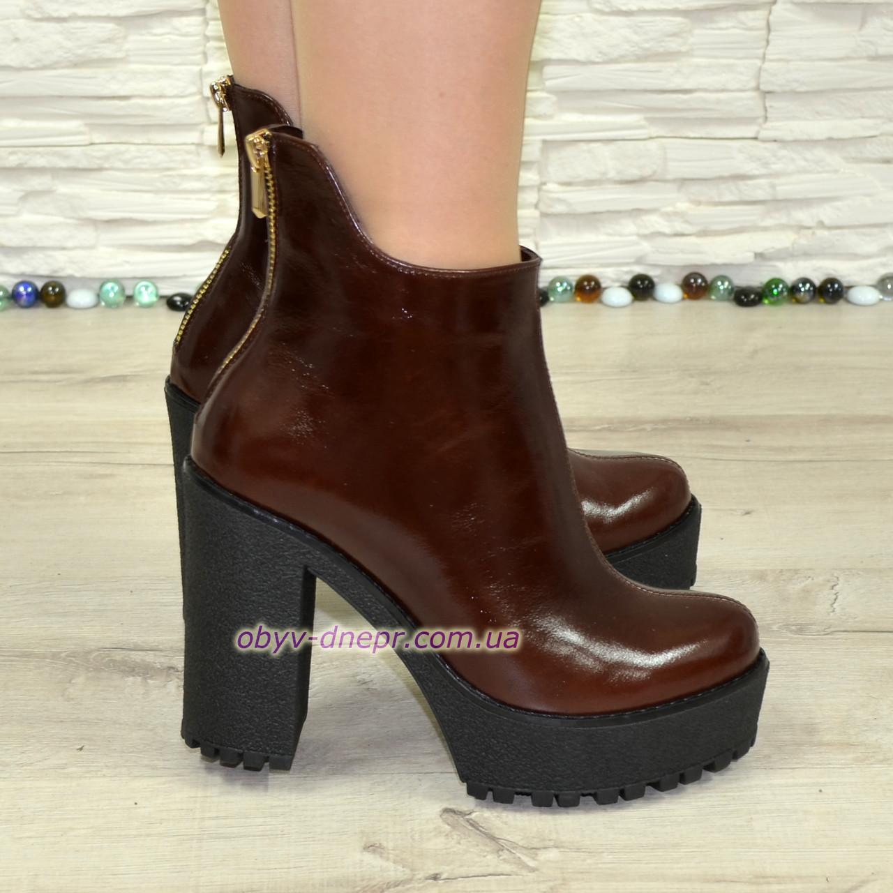 Ботинки кожаные женские на высоком каблуке. Коричневый цвет