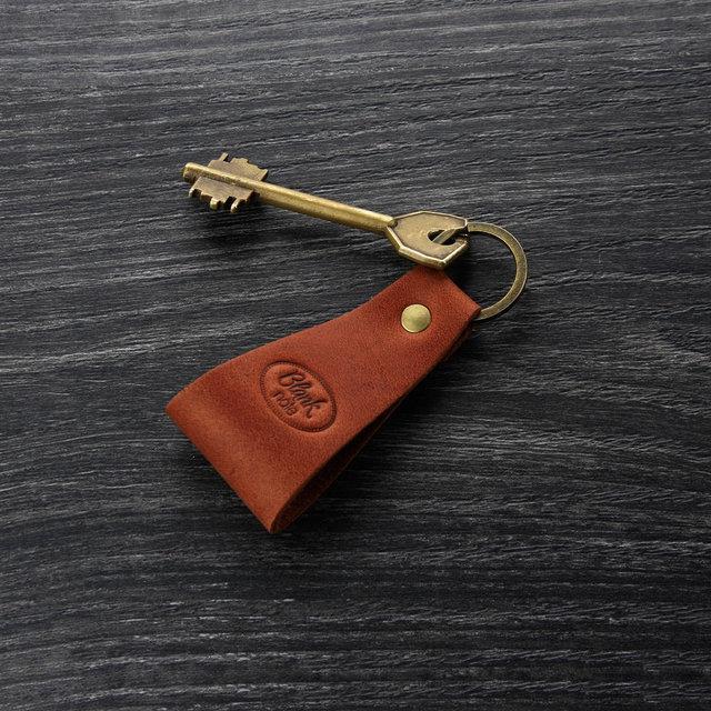 bed439bcf273 Для изготовления баркетки, клатча используют кожу или кожзаменитель. В  барсетку кладут кошелек, кредитки, ключи, телефон, документы и прочие  мелкие ...