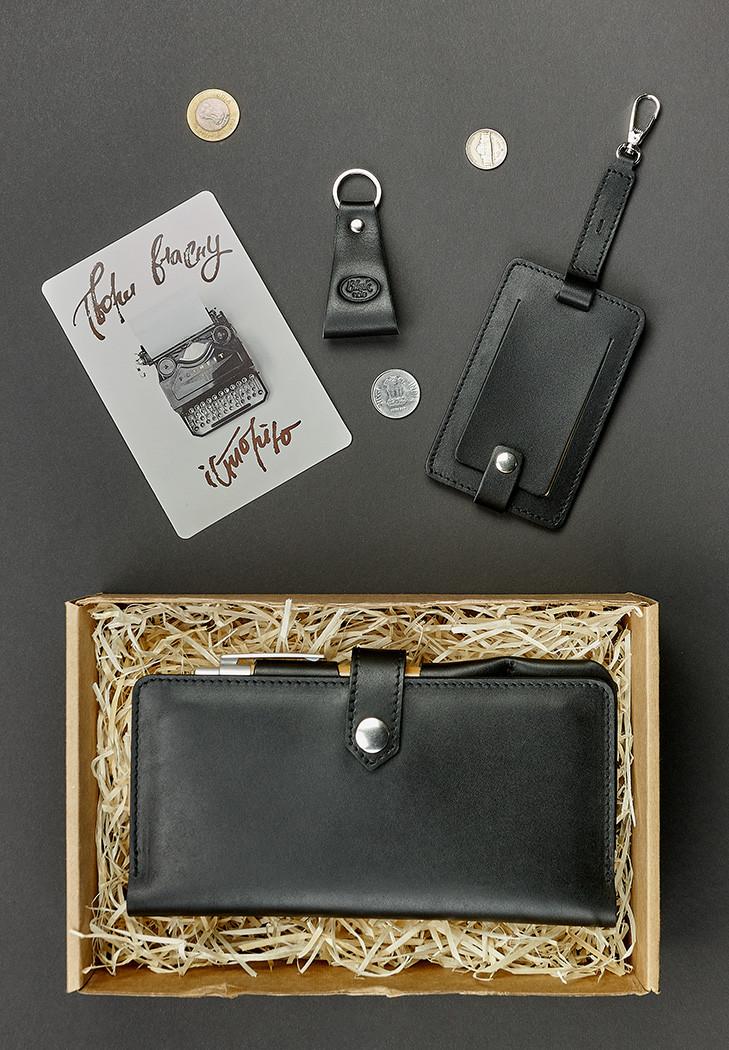 Подарунковий набір шкіряний чоловічий чорний (клатч-гаманець, брелок, багажна бирка, листівка) ручна робота