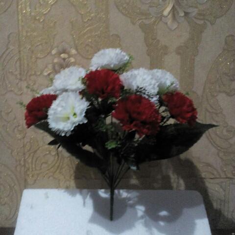 Искусственные цветы Гвоздика бело-красная