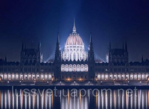 Архитектурное освещение большого здания