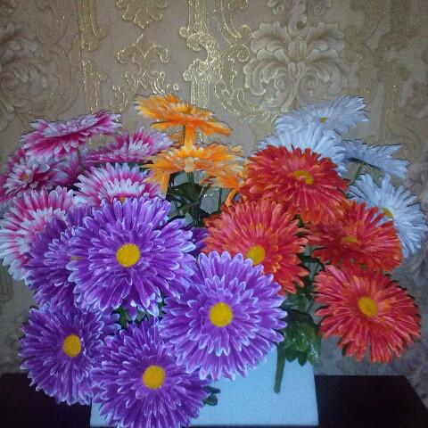 Искусственные цветы Ромашка атласная большая