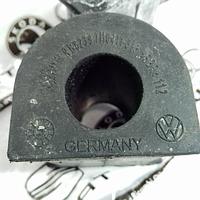 Втулка заднього стабілізатора VW Caravelle T4 Фольксваген Каравела Т5 (2003-) 7H0411313. VAG (VW) Germany