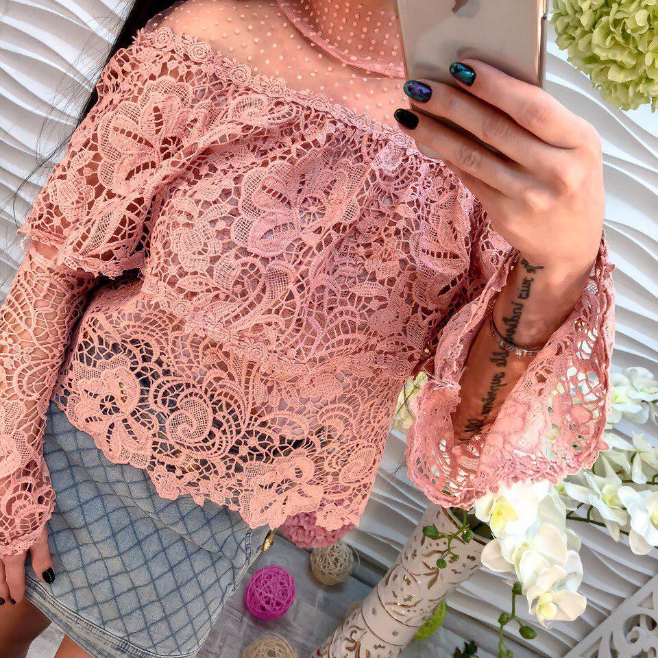 Красивая блузка из гипюра и шифона
