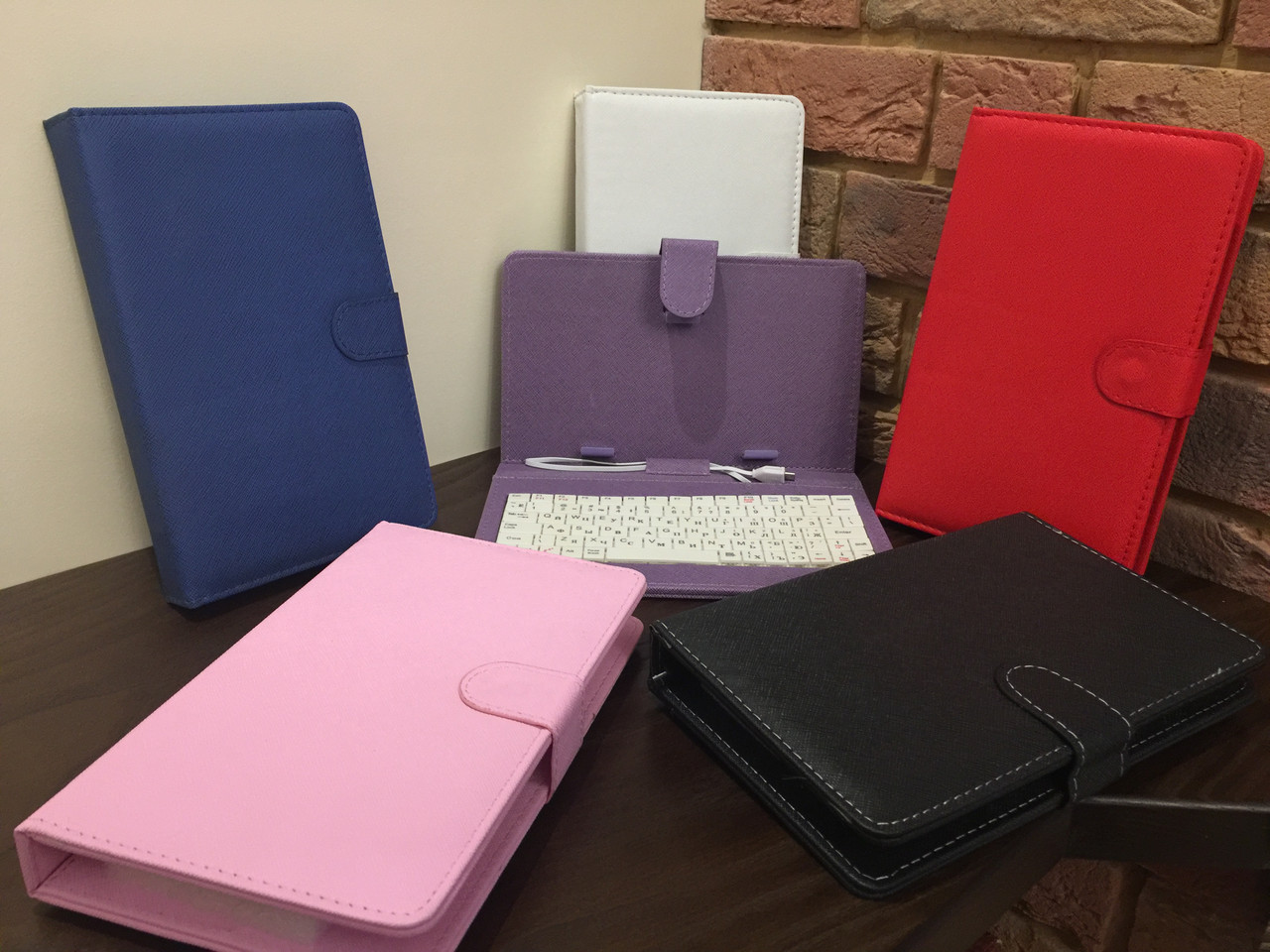 "Чехол-папка с клавиатурой к планшетам 7"" white Micro USB"