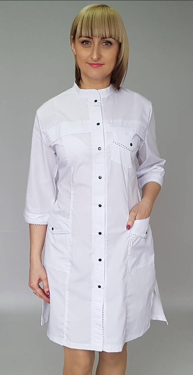 фотография медицинский халат на кнопках с воротником стойка
