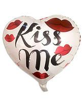 """Фольгированный шар сердце """"kiss me"""" 43х48см. Воздушные шарики оптом."""