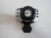 Подушка двигателя Renault Master