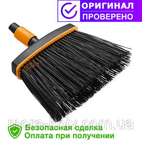 Садовая щетка - метла (малая) QuikFit™ от Fiskars (1001415/135534), фото 2