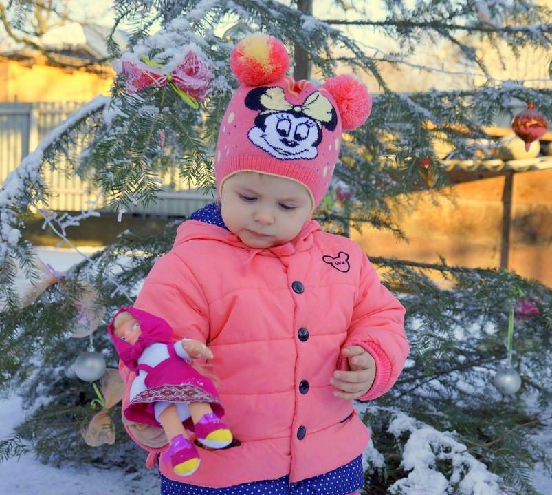 Детская шапка с двумя помпонами для детей до 3 лет