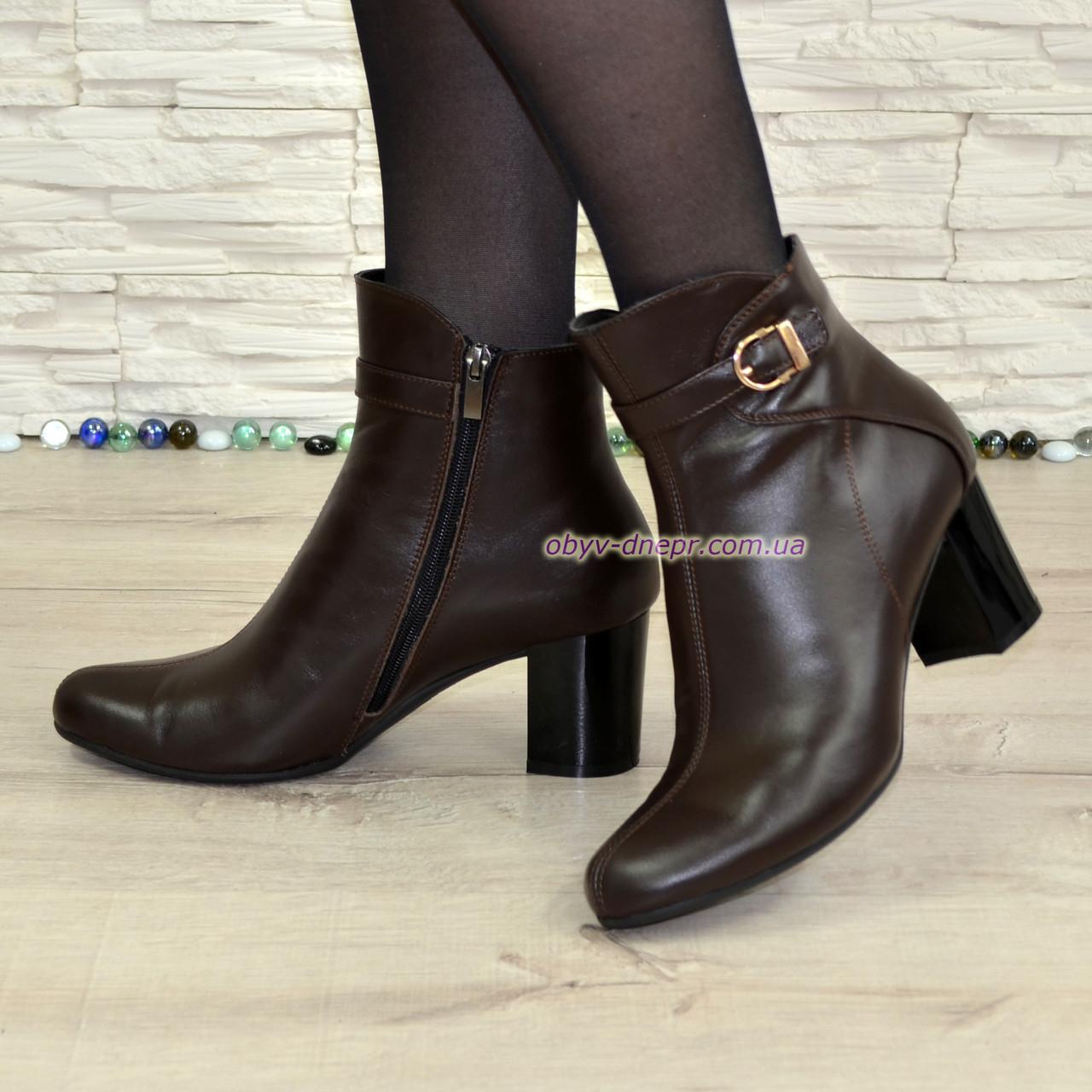 Женские кожаные коричневые ботинки на невысоком каблуке