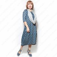 Женское платье большого размера в горох