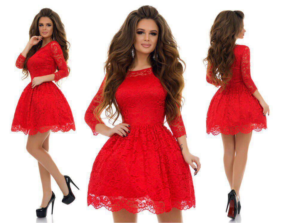 Гипюровое платье с фатином