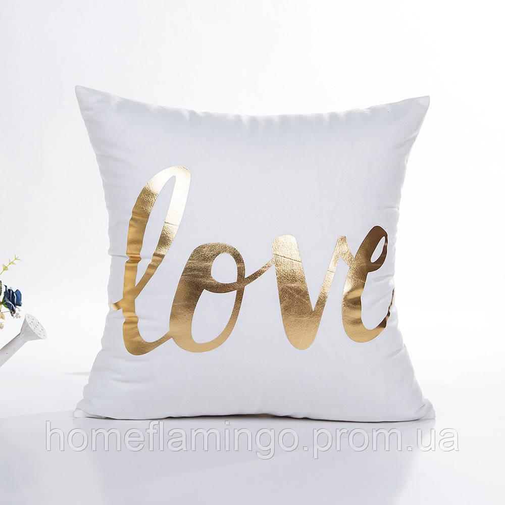 Декоративная подушка велюровая с золотистыми элементами Love