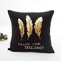 """Бархатная черная наволочка на подушку з золотыми перьями """"Follow your dream"""""""
