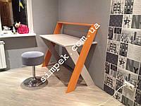 Письменный стол для школьника (деревянный)
