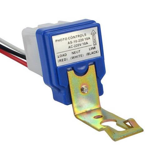 Фотореле, датчик включения уличного освещения 220В + кронштейн