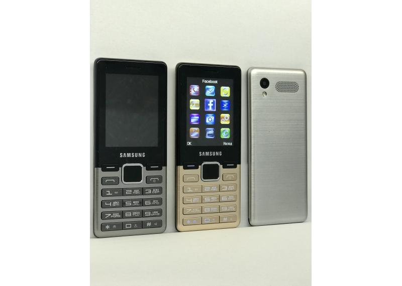 """Мобильный телефон Samsung D3 на 2 Sim Батарея 2200Mah 2.6"""" экран"""