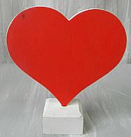 Дерев'яне серце на підставці червоне мале № 3397, 13,5*15 см Деревянное сердце на подставке маленькое красное