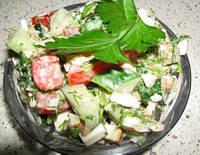 Куриный салат с соусом цацики
