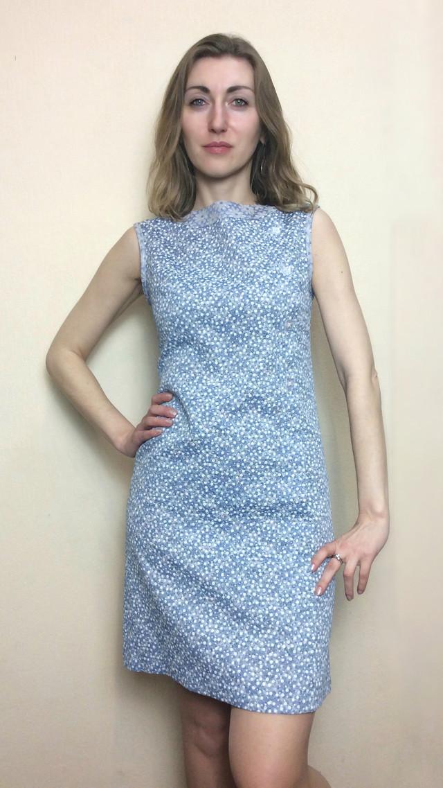 Голубое летнее платье-трапеция без рукавов П190