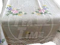Размер 85*85 см. Скатерть льняная украшенная вышивкой и/или кружевом
