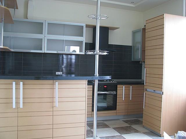Кухни  с барной стойкой  шпонированные.