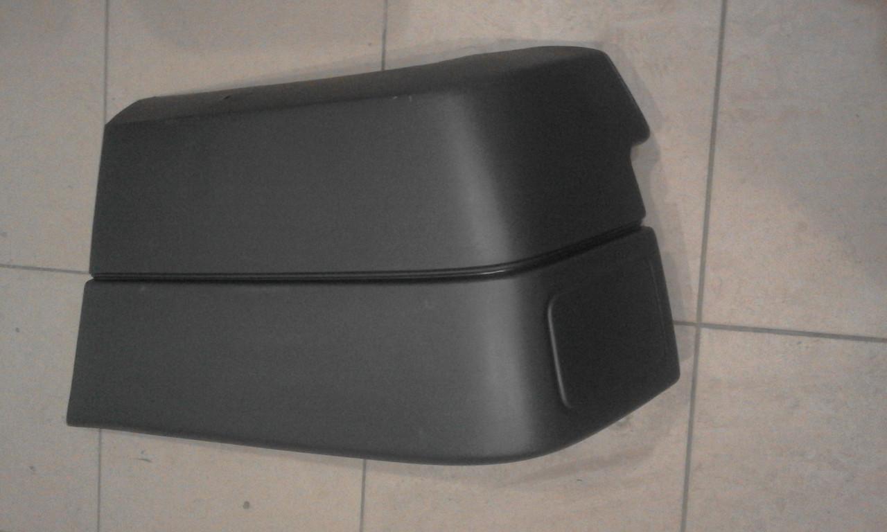 Клик заднего бампера Фольксваген Т4 / Volkswagen T4 91-03 (правий)