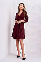 Стильное бордовое платье с поясом на талии