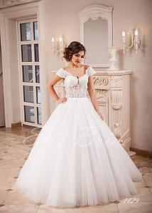Свадебное платье А-силуэт с спадающими бретелями, цвет айвори