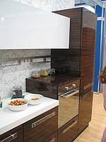 Кухня камень искуственный и шпон.