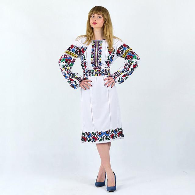 Женское платье с вышивкой Белоснежная нежность