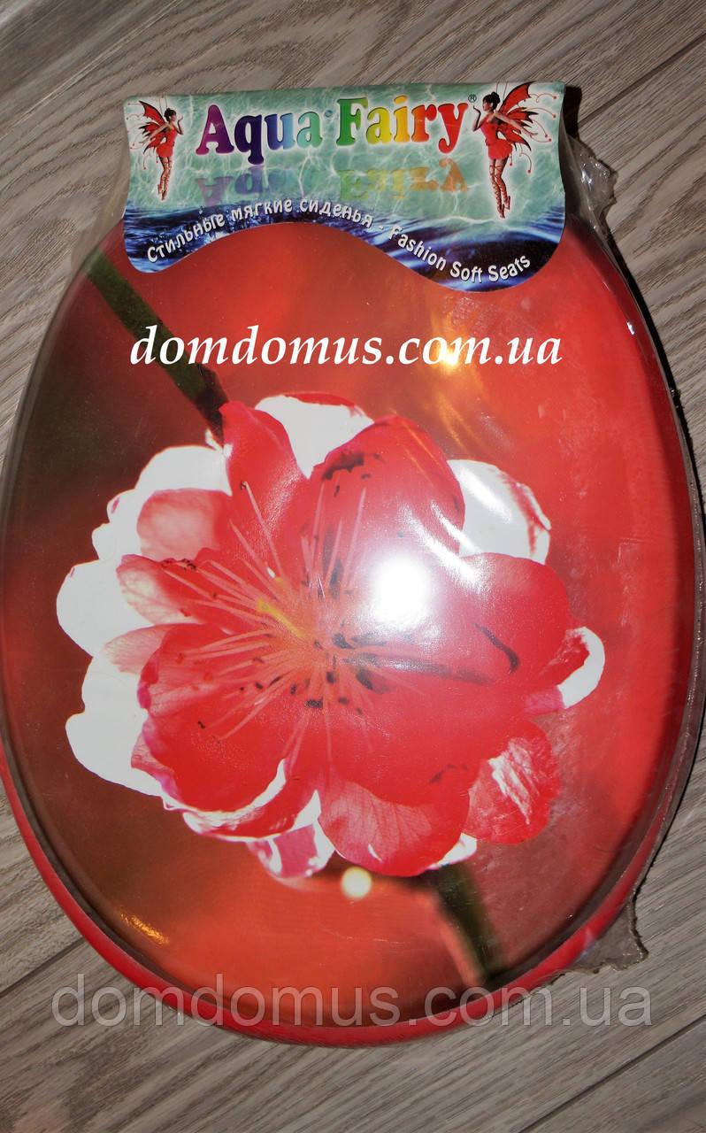 Сиденье мягкое с крышкой для унитаза  Aqua Fairy Classic, красная