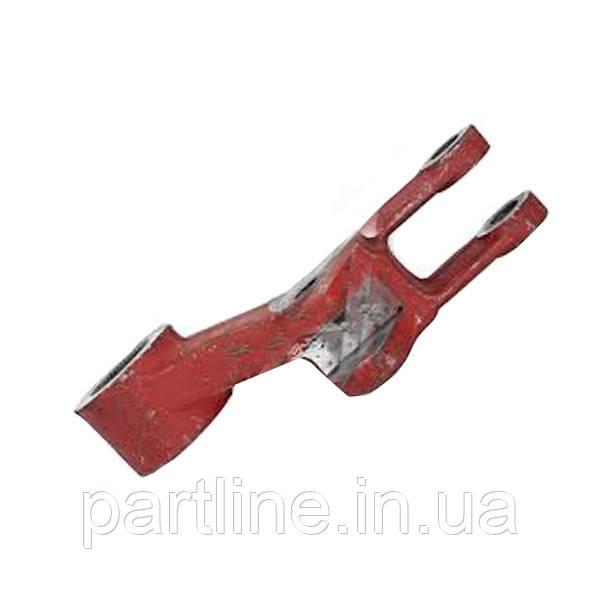 Рычаг навески вала поворотного левый МТЗ-320 (пр-во БЗТДиА), арт. 320-4605011-Б-01