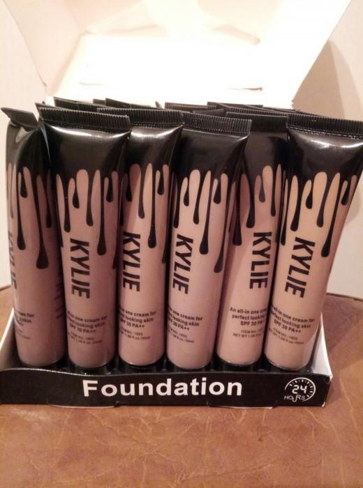 Тональный крем ,тоналка, Kylie Jenner SPF 30