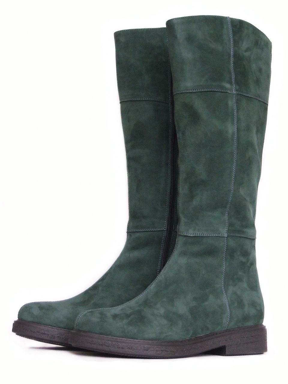 Зеленые замшевые сапоги