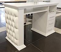 Оригинальный маникюрный стол Queen