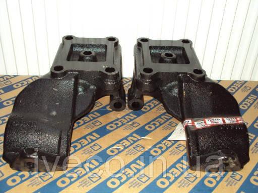 Кронштейны задних реактивных тяг на Ивеко Тракер Iveco Trakker 41218211 i 41218212