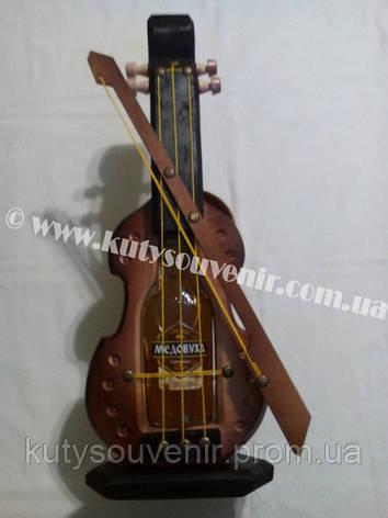 Украинский сувенир: музыкальный инструмент с водкой., фото 2